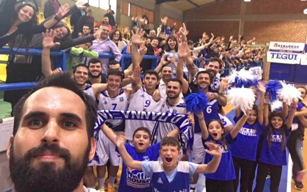 pannaxiakos_selfie_naxospress_infobasketgr