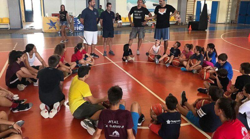 Κεραμιδάς: Χαίρομαι που στη Νάξο αγαπούν το μπάσκετ